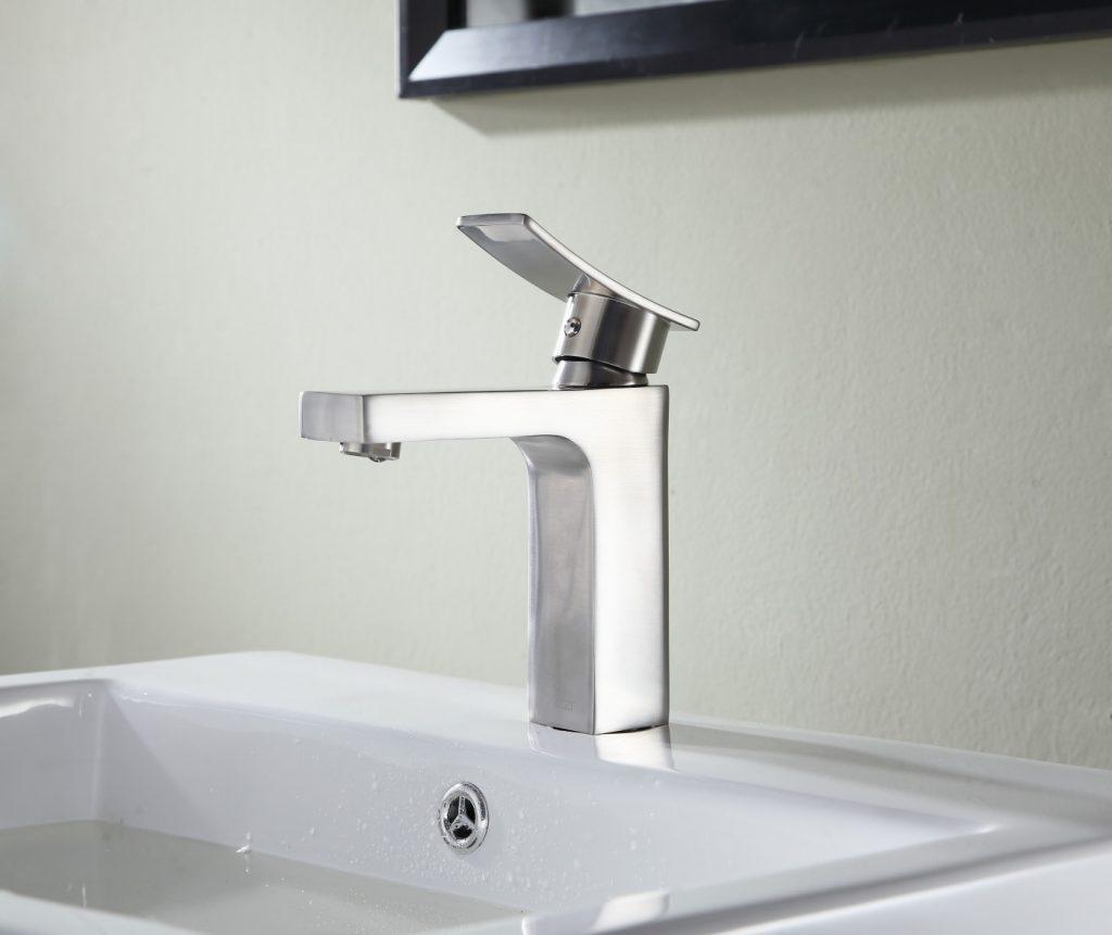 sprayer for bathtubs